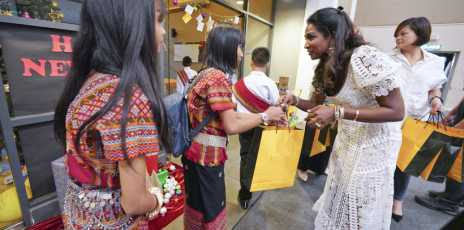 Budimas Hosts Christmas Party For 160 'Less-fortunate' Children